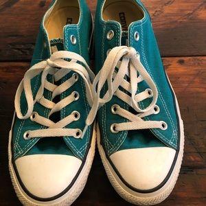 Converse~ 10